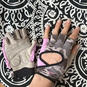 Nike small weight lifting gloves